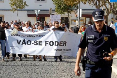 III Manifestação: Que se Lixe a Troika! Queremos as nossas Vidas! - Portimão