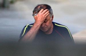 A Polícia Federal prendeu na manhã desta quinta-feira Paulo Roberto Costa, ex-diretor de Refino e Abastecimento da Petrobras. Costa é suspeito de envolvimento com integrantes de uma quadrilha de lavagem de dinheiro. Pelas informações da polícia, ele foi p