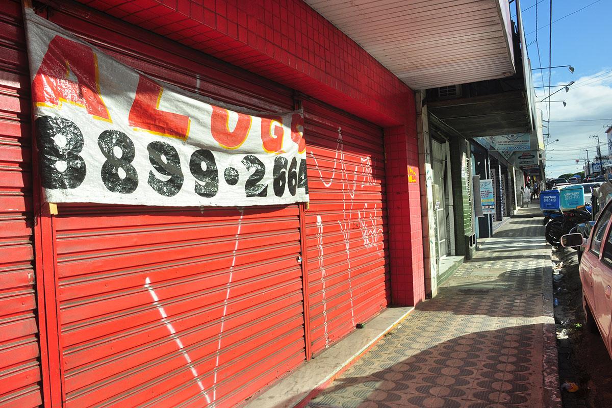 Resultado de imagem para lojas fechadas